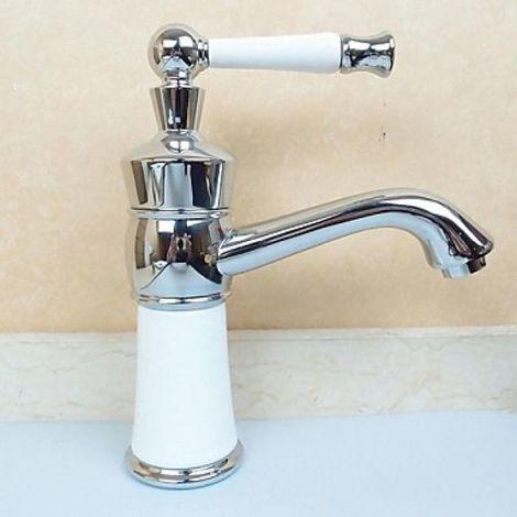Waschtisch-Armatur mit langem Hebel, modernes Design