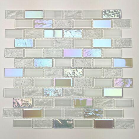 White glass mosaic wall bathroom and kitchen Kalindra Blanc