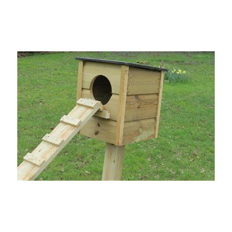 Wild duck nesting box on post