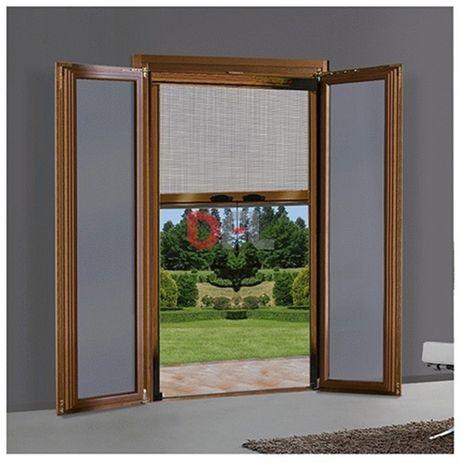 Zanzariera a rullo verticale per porta finestra for Finestra scorrevole verticale