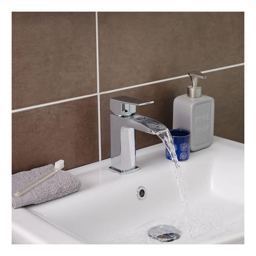 Grifo mezclador de lavabo monomando a cascada moat for Grifo lavabo cascada