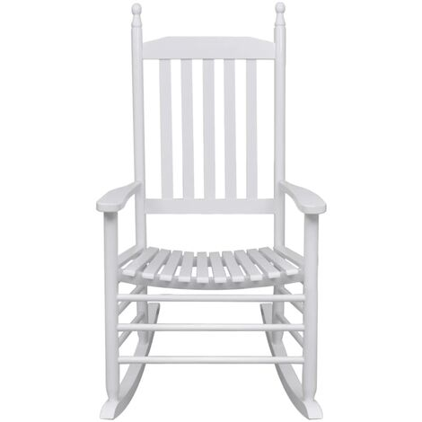 mecedora de madera blanca asiento curvado jardines y